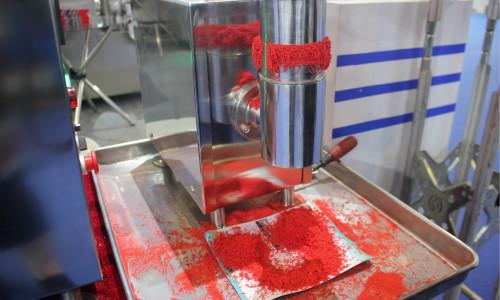 全自動提升混合機簡化上料工序,助力混合效率提高