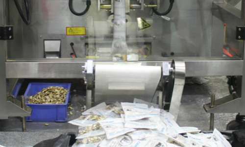 机械代人,全自动膏药机为膏药生产插上科技翅膀